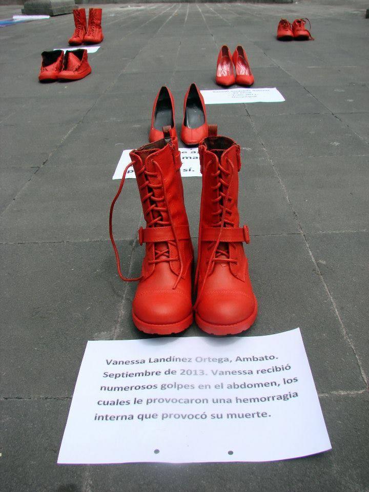 Zapatos Rojos contra el femicidio en Ecuador