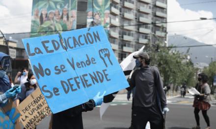 Así es como el gobierno ecuatoriano abandonó a estudiantes becarios colombianos