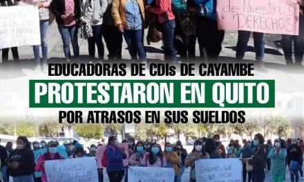 Educadoras de Centros de Desarrollo Infantil de Cayambe protestaron en Quito por atrasos en sus sueldos